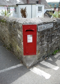 Browns Hill Postbox
